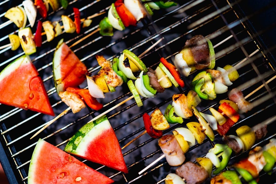 Enjoy your summer with some of the best healthy summer BBQ recipes with chicken and keep that summer body summer ready all year long. Healthy Recipes | Healthy Chicken Recipes | Healthy BBQ Recipes | Healthy BBQ Chicken Recipes