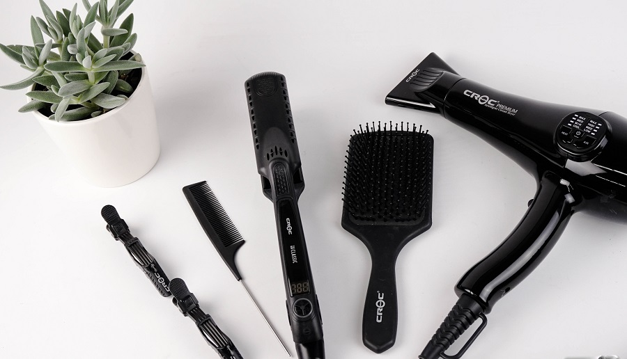 Choose the best brushes for healthy hair so that you can reverse any damage done and prevent it from happening all over again. What Brush to Use for Wet Hair | What Brush to Use for Dry Hair | How to Reverse Damaged Hair | How to Fix Hair | How to Detangle Hair | How to Brush Hair