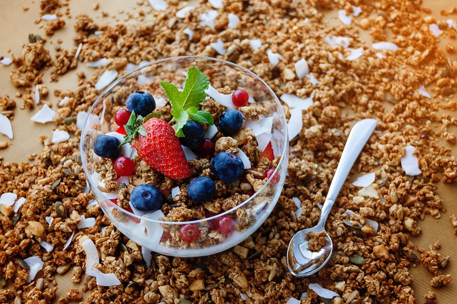 A nutrition-packed yogurt bowl is a great way to start your morning and these protein yogurt bowl recipes are easy to make and delicious. Yogurt Bowl Calories | Breakfast Yogurt and Granola | Breakfast Yogurt Oats | Yogurt Breakfast Weight Loss | Yogurt Dessert Bowl | Granola Yogurt Bowl | Acai Yogurt Bowl