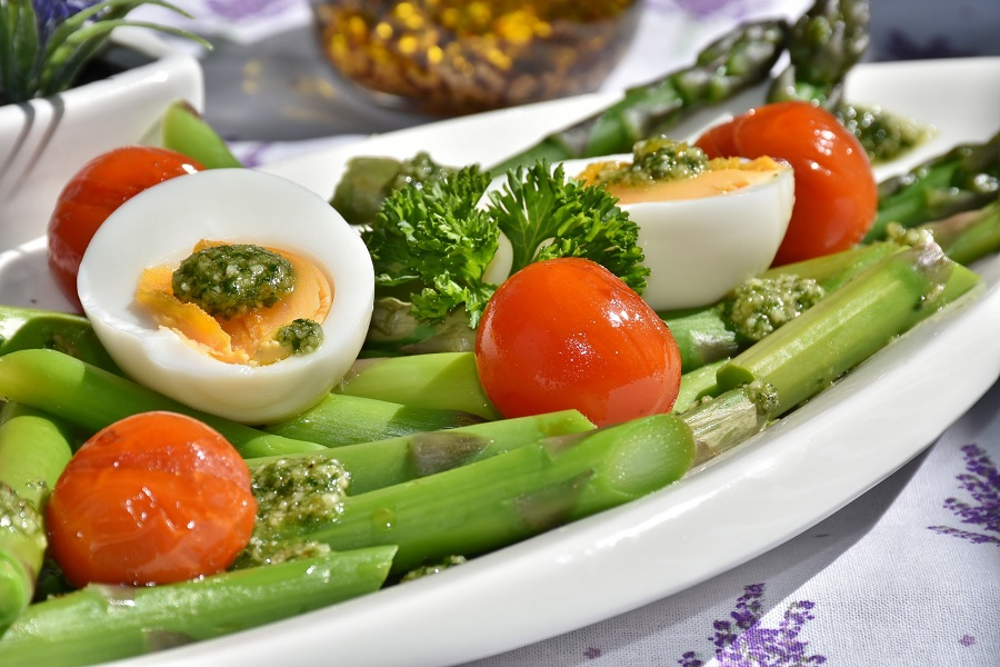 Holiday weight loss isn't easy but there are low cal Easter side dish recipes that could help you stay on track with your Easter dinner. Make Ahead Side Dishes | Easter Side Dishes with Lamb | What to Serve with Ham for Easter | Side Dishes for Lamb and Ham | Ham Side Dishes | What Goes Well With Easter Ham