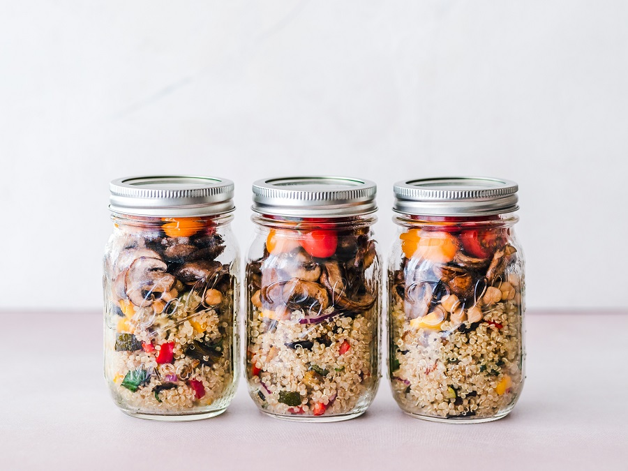 Everyone can use some easy no bake quinoa snacks to help make life easier as you stay healthy in between your healthy meals. Healthy Snacks   Healthy Recipes   No Bake Healthy Snacks   Quick Snacks for Weight Loss