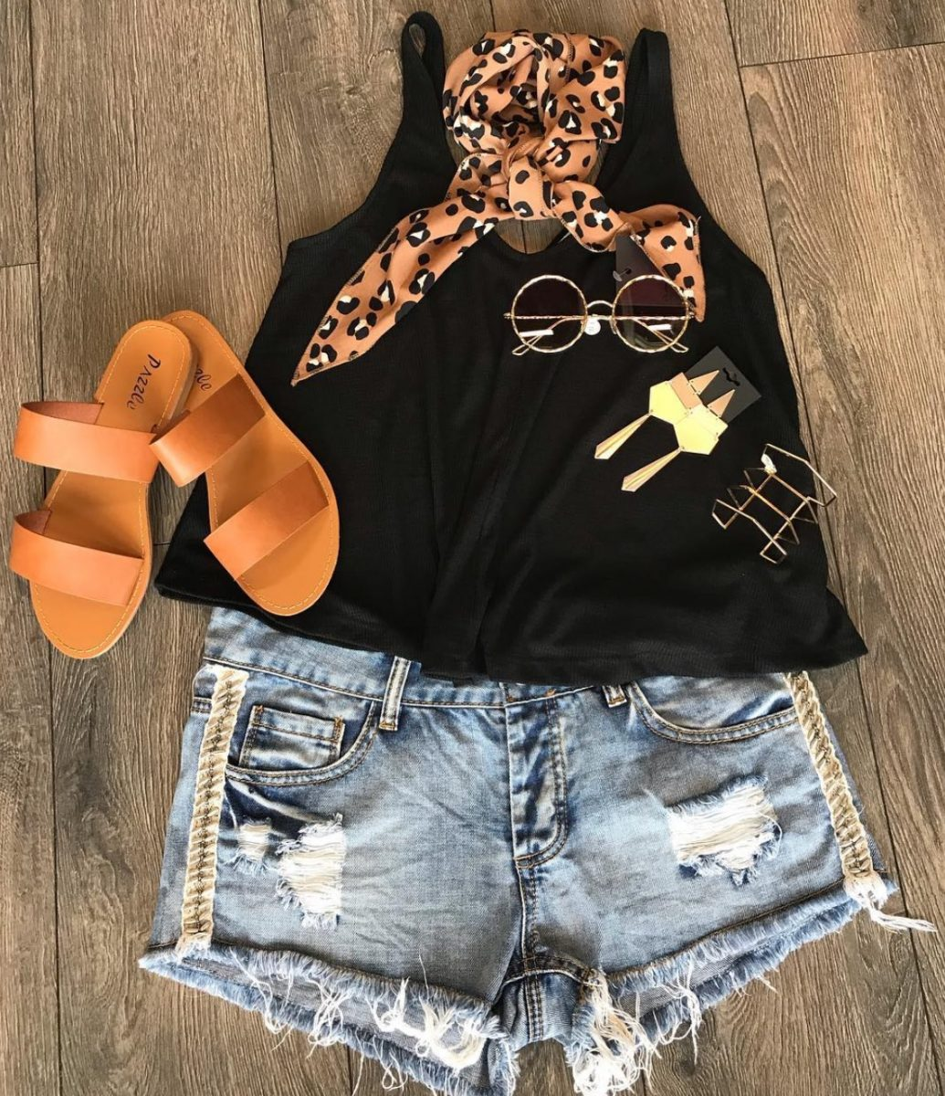 Relax your style and enjoy some inspiration for some casual summer outfits that you can use all summer long and on vacation! Summer Fashion | Summer 2019 Fashion Trends | Summer 2019 Style Trends | What to Wear During Summer | How to Dress Casually | Casual Styles for Summer