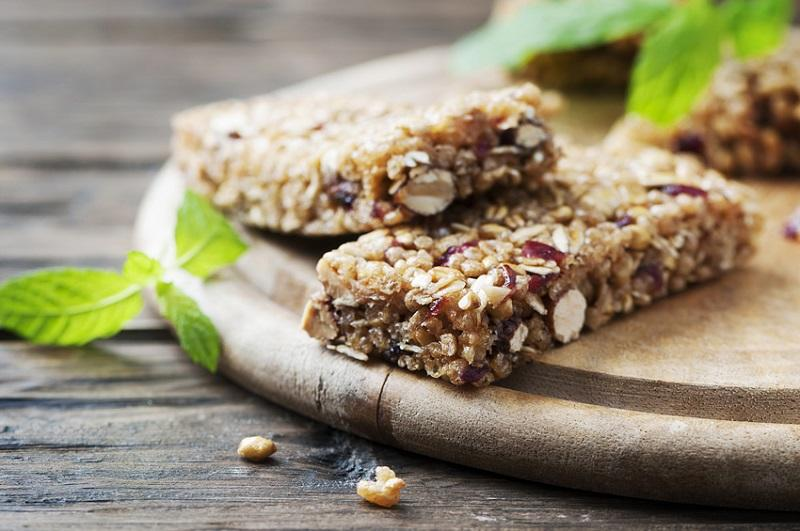 Finding the best store-bought protein bars can be challenging because there are so many options. We know what to look for until found the top five protein bars you can buy in a store. Best Protein Bars | Healthy Protein Bars | Best Protein Bars for Weight Training | Best Protein Bars for Workouts