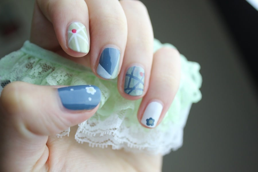 Use summer nails designs to show your love for summer and add an extra level of fashion to your summer outfits no matter where you are going. #nailart #naildesigns #summernails #summernailart #summernaildesigns